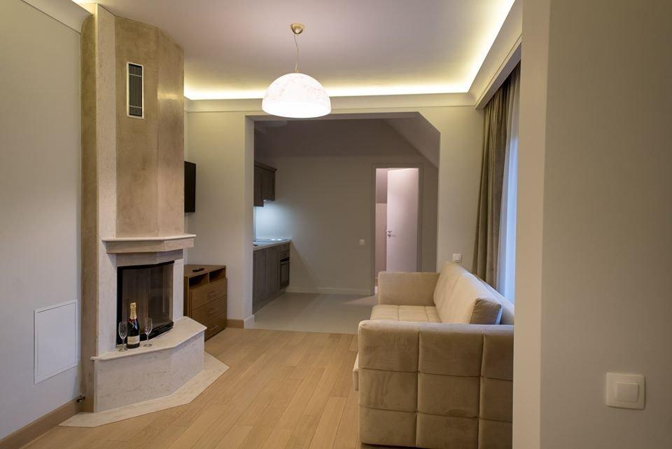 Elexus Apartments
